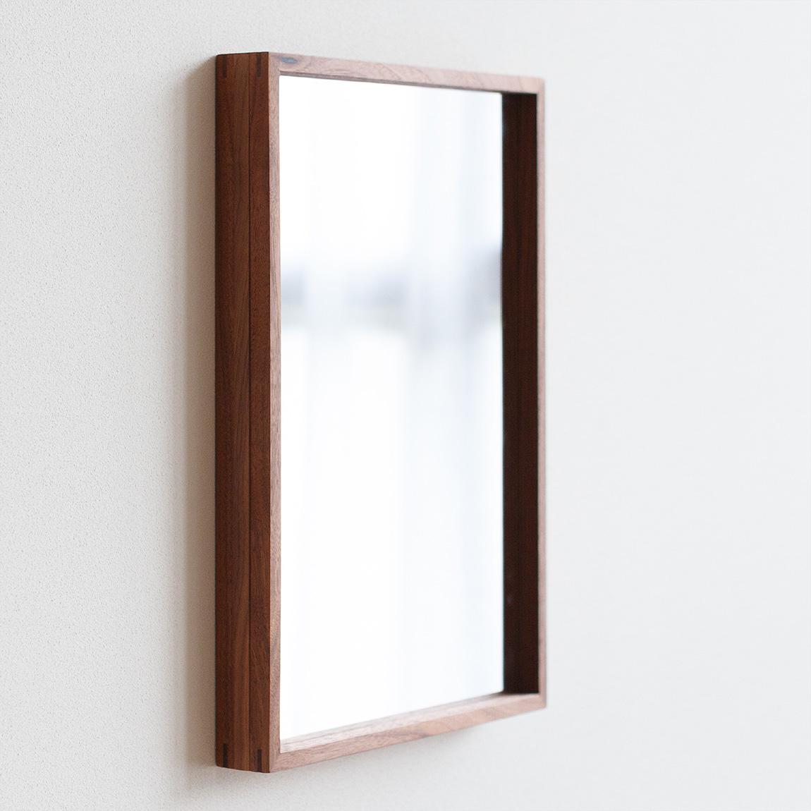 DIRITTO A4 walnut (mirror)