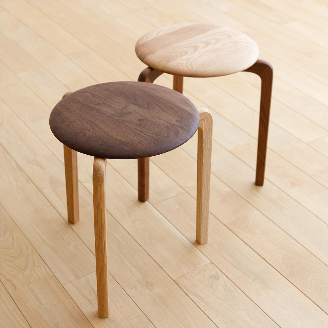 LISCIO Stool (seat:walnut legs:oak), LISCIO Stool (seat:oak legs:walnut)